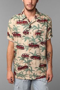 1950s Mens Vintage Cars Lounge Shirt  http://www.vintagedancer.com/1950s/1950s-mens-clothing/