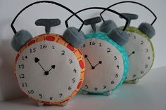 16 hour stitchy clock....for those of us that need many more hours in the day :)