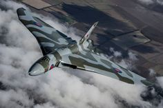 The Vulcan last flew in October 2015 before losing its flight permit. The aircraft was first commissioned into service by the RAF in 1956 and formed a key part of Britain's nuclear deterrent until 1984 Military Jets, Military Aircraft, Raf Bases, V Force, Avro Vulcan, Bomber Plane, Delta Wing, Falklands War, Navy Aircraft