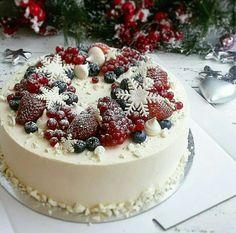 Christmas Cake Designs, Christmas Cake Decorations, Christmas Sweets, Holiday Cakes, Christmas Cooking, Holiday Baking, Christmas Desserts, Christmas Cakes, Winter Torte