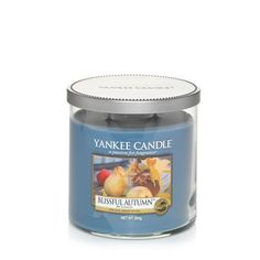 Blissful Autumn Medium Tumbler by Yankee Candles UK is reminiscent of crisp autumn air with orchard fruit breezes.