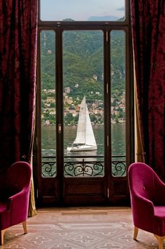 Enjoy a signature cocktail our terrace overlooking #LakeComo. Fancy joining us in a few hours? www.castadivaresort.com