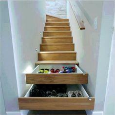 cool für enge kleine Diele (keine Treppe nach unten) - Stauraum für viele Schuhe (untere 3 Stufen - Volauszugschubladen)