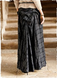 Our voluminous maxi skirt makes a dramatic entrance—or exit—with a bustle that unbuttons into a floor-sweeping train. Fashioned of crinkled cotton with a hint of elastane (2%); back zipper.