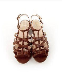 Wholesale Women's Fashion Bowknot Flat Sandal Shoes #dental #poker Flat Sandals, Gladiator Sandals, Shoes Sandals, Flats, Wholesale Shoes, Wholesale Fashion, Dental, Women's Fashion, Casual