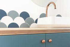 salle de bain cuivre crédence écaille bleu orage ressource réalisation adeline pithois-guillou
