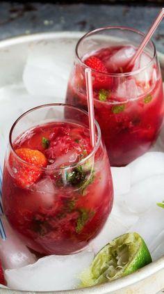 strawberry pom mojitos