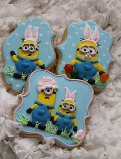 Easter Minion cookies by Brenda Hoye Iced Cookies, Cute Cookies, Easter Cookies, Easter Treats, Yummy Cookies, Cookies Et Biscuits, Easter Cake, Easter Party, Sugar Cookies