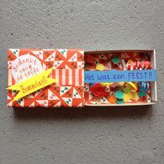 Matchbox gift cards DIY / Luciferdoosje, kaartje, cadeautje, DIY // VAN BRITT Busy Boxes, Little Presents, Matchbox Art, Cute Diys, Shadow Box, Party Gifts, Cardmaking, Paper Art, Birthday Gifts