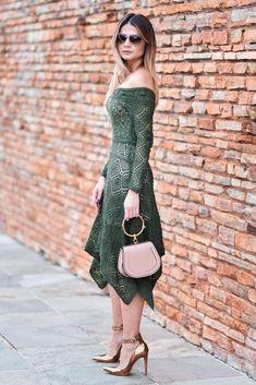 Fabulous Crochet a Little Black Crochet Dress Ideas. Georgeous Crochet a Little Black Crochet Dress Ideas. Hairpin Lace Crochet, Crochet Lace Dress, Crochet Blouse, Knit Dress, Crochet Top, Crochet Designs, Knitting Designs, Quoi Porter, Mode Chic