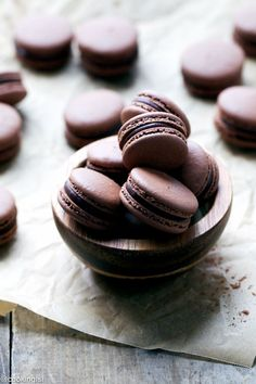 Chocolate-Macarons-With-Chocolate-Peppermint-Ganache-Recipe