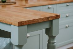 #solidwood #mdf #wood #details #table #american #style Mdf Wood, Design Furniture, Wood Table, Romania, Solid Wood, American, Kitchen, Projects, Home Decor