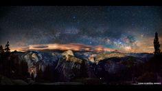 Galaxias gigantes en espiral en lo profundo del espacio, así como partes de la Vía Láctea, pueden verse en el cielo del Parque Nacional de Yosemite, en Estados Unidos. Esta es una de las fotos finalistas del concurso Fotógrafo de Astronomía del 2013 del Real Observatorio de Greenwich, en Reino Unido.