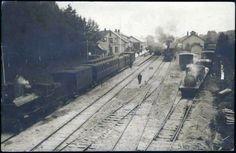 Ski stasjon tidlig 1900-tall. Damplokomotiv på stasjonen.