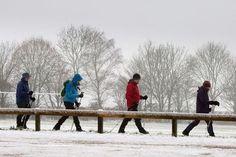 PRÉVISION MÉTÉO FRANCE - Paris, Reims, Toulouse, Lyon... Où la neige va-t-elle tomber et s'accumuler en France? On fait le point par région concernée pour aujourd'hui et jusqu'à la fin de la semaine.