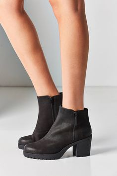 Shop the Vagabond Nubuck Grace Double Zip Ankle Boot and more Urban Outfitters at Urban Outfitters. Read customer reviews, discover product details and more.