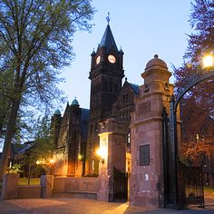 Mount Holyoke College | 41 Scenic College Campuses That Were Made For Instagram