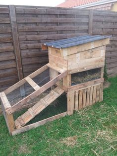 Bunny hutch made with pallet !!! Thank you my love !! #bunny #hutch #pallets
