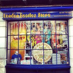In qualità di clienti del London Pass, presso il London Beatles Store e il vicino It's only Rock 'n' Roll riceverete in omaggio una borsa esclusiva con una spesa minima di £5.