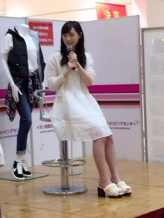 Haruka Fukuhara wore in white to appear in AEON Tottori shopping mall. #fashion #girl #japan #model RT @haruka_staff 1回目無事終了ー♪ 2回目は、16:00〜です( ´ ▽ ` )ノ pic.twitter.com/Bxh2BS3QNh