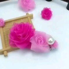 Paper Flowers Craft, Flower Crafts, Diy Flowers, Fabric Flowers, Fabric Flower Headbands, Nylon Flowers, Shabby Chic Flowers, Cloth Flowers, Diy Bow