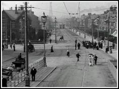 Lytham road from the south looking down. Old Time Photos, Old Pictures, Blackpool England, History Of England, British Seaside, Black And White City, The Lost World, Old Street, Beautiful Castles
