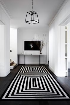 Contemporary classic family home. Design by Robson Rak Architects. Image by Sharyn Cairns via Est Magazine Design Entrée, Floor Design, Design Trends, House Design, Design Ideas, Design Styles, Design Projects, Contemporary Classic, Contemporary Decor