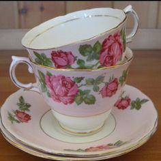 Colclough tea cups & saucers