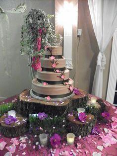 Rustic Wood Cake Stand. www.appleblossomstampa.com
