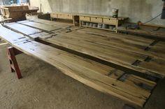 Etagères en planches à wagon en chêne