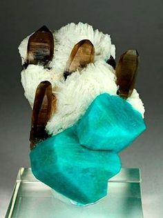 Amazonite, Smoky Quartz and Albite from Tree Root pocket, Two Point claim, Teller Co., Colorado