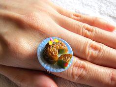 Miniature food ring