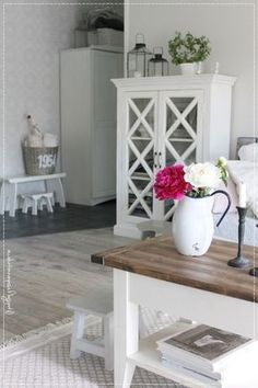Cottage Design, Interior Inspiration, Finland Country, Entryway Tables, Sweet Home, Interior Design, House Styles, Desks, Decorating