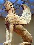 Le Sphinx, est, dans la mythologie Grecque, une créature fantastique. Elle est représentée avec un buste de femme, un corps de lion et des ailes d'oiseau.