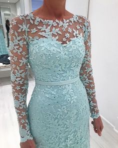 Most Gorgeous Winter Wedding Dress Ideas - Zine 365 Lace Dress Styles, African Lace Dresses, African Fashion Dresses, Mother Of Bride Outfits, Mother Of Groom Dresses, Mothers Dresses, Mob Dresses, Formal Dresses, Wedding Dress Sleeves