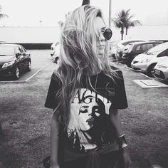 girl, black and white, and grunge image Soft Grunge, Grunge Look, Edgy Style, Mode Style, Style Me, Estilo Grunge, Look Rock, Alternative Rock, Estilo Rock