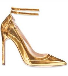a76d36c26e56 Manolo Blahnik High End Shoes, Gold High Heels, Metal Fashion, Gold Fashion,