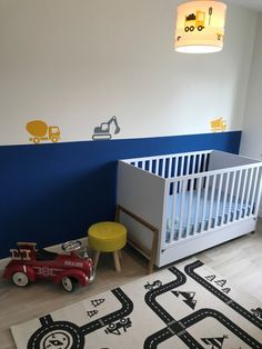 Lamp kinderkamer Pien #klantfoto #lamp #kinderlamp #autolamp #voertuigen #auto #autokamer #kinderkamer #peuterkamer #kleuterkamer #muursticker #verlichting #peuter #kleuter #oker #blauw Toddler Boy Room Decor, Boys Room Decor, Playroom Decor, Baby Boy Rooms, Baby Room, Modern Nursery Decor, Nursery Neutral, Kids Lighting, Awesome Bedrooms