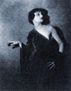Клара Тайс. 1910-е.Дада — женский род, множественное число | Артгид