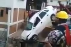 Friday #FAIL Tow Truck Drop  #cars #fridayfail #carcrashes #video  More Friday FAIL >> http://www.motoringexposure.com/trending/