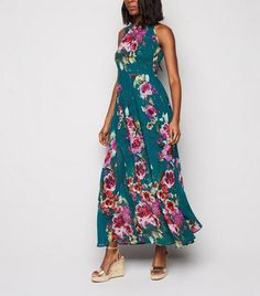 Green Maxi, Pleated Maxi, Chiffon Fabric, Design Model, Fit And Flare, New Look, Latest Trends, Florals