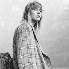 Taylor Swift New, Taylor Swift Pictures, Live Taylor, Folklore, Aesthetic Pictures, Old Things, Photoshoot, Queen, People