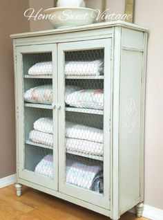 40 Ideas Farmhouse Cabinets With Chicken Wire #farmhouse