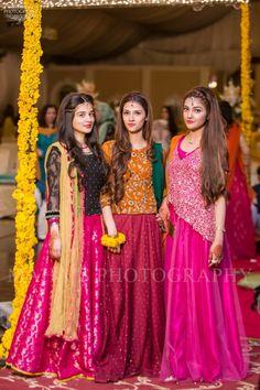 For Eraj s sharara. Mehndi Outfit, Mehndi Dress, Choli Dress, Wedding Dresses For Girls, Party Wear Dresses, Girls Dresses, Pakistani Wedding Outfits, Indian Outfits, Pakistani Dresses