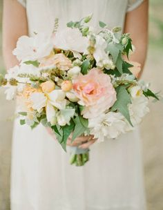Wedding bridal bouquets http://weddingflowersideas.blogspot.com/2014/05/wedding-bridal-bouquets.html