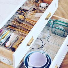 Every aspect of these drawers ✨ sparks joy ✨ for us! 😊 How about you?  📷: @the.pink.dream  #iDesign #MyiDesign #iDLiveSimply #livesimply #createspace #organization #organized #keepitsimple #homeorganizer #homeorganization #everythinginitsplace #sparkjoy #sparkjoychallenge2019 #organizeddrawer #drawerorganization #drawers #kitchendecor #kitchen #kitchenorganization #kitchendrawers #organizedlife #pink #homeinspo