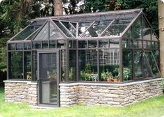 http://solarinnovations.com/wp-content/uploads/2012/08/Delaney-English-Conservatory1.jpg #conservatorygreenhouse