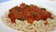 De heerlijke ouderwetse macaroni met gehaktsaus van vroeger. De smaken zijn puur…