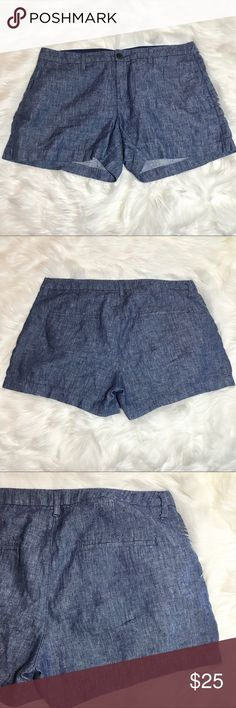 ✨REDUCED✨ OLD NAVY Lightweight Denim Shorts Never worn but washed once and ready to be worn! LIKE NEW✨ Perfect for those hot summer days or layer with a comfy sweater for those cool Fall days☀️🍂 Old Navy Shorts Jean Shorts