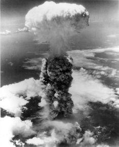 Atomic bomb blast - Nagasaki